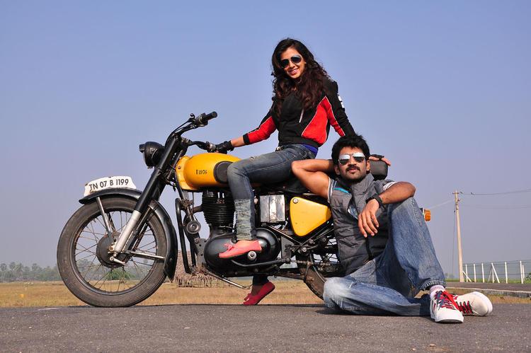 Aadi And Nikitha Aadi Pinisetty New Movie Latest Still