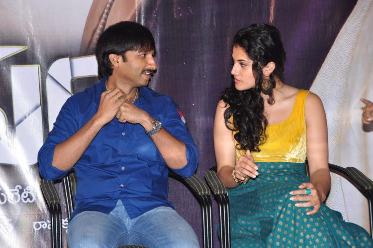 Gopichand And Tapasee During The Sahasam Show For School Students