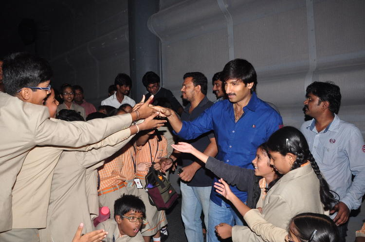 Gopichand Meet His Fans At Sahasam Special Screening For School Students
