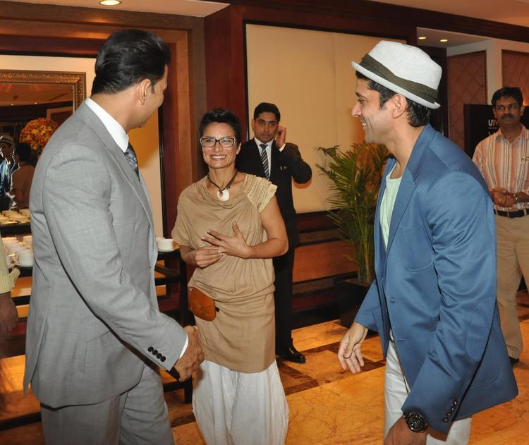Adhuna And Farhan Akhtar Arrives The Statue Launch Event Of Rajesh Khanna And Meet With Akshay
