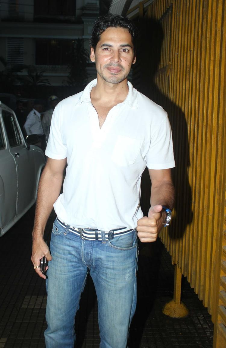 Dino Morea Snapped At OUATIMD Special Screening