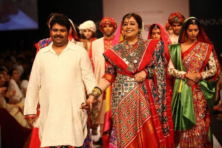 Kirron Kher Walks With Gaurang Shah's At LFW 2013