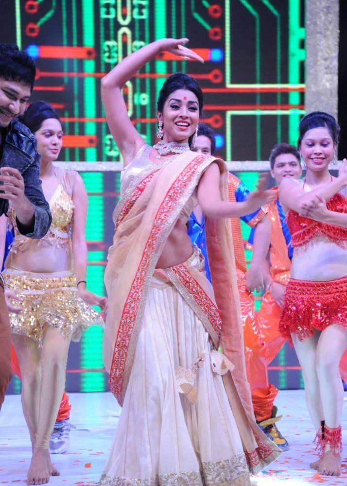 Shriya Saran Shakes Her Legs On The Stage At Tollywood Cinema Channel Launch Event