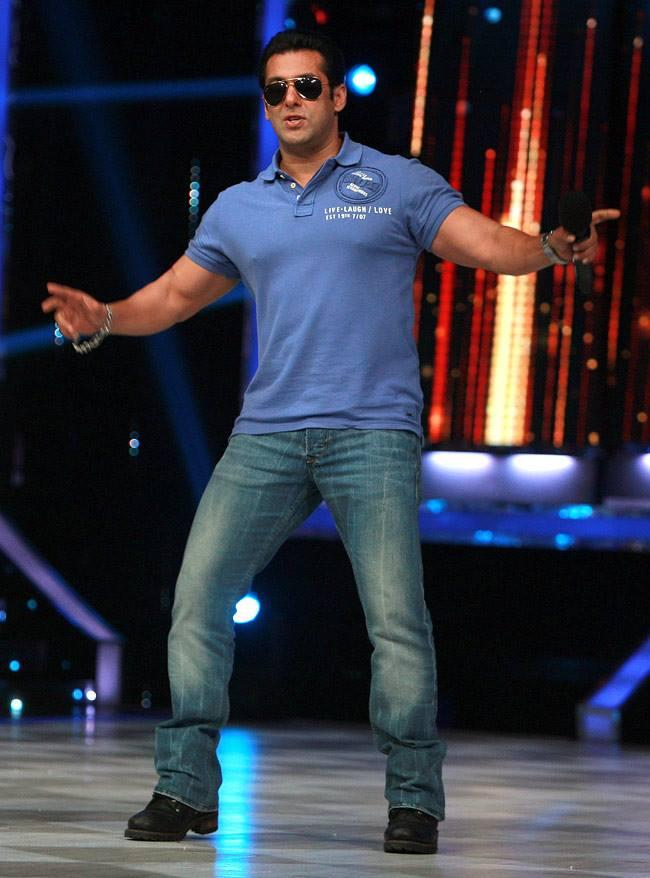 Salman Khan Handsome Look On The Sets Of Jhalak Dikhhla Jaa 6