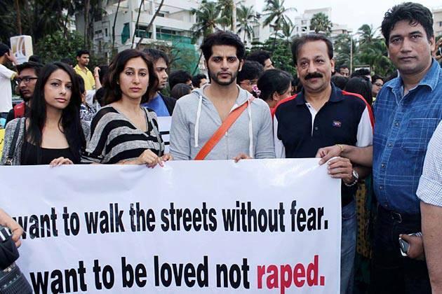 Karanvir Bohra With His Wife Teejay Sidhu And Baba Siddiqui At Anti Rape Protests Held In Mumbai