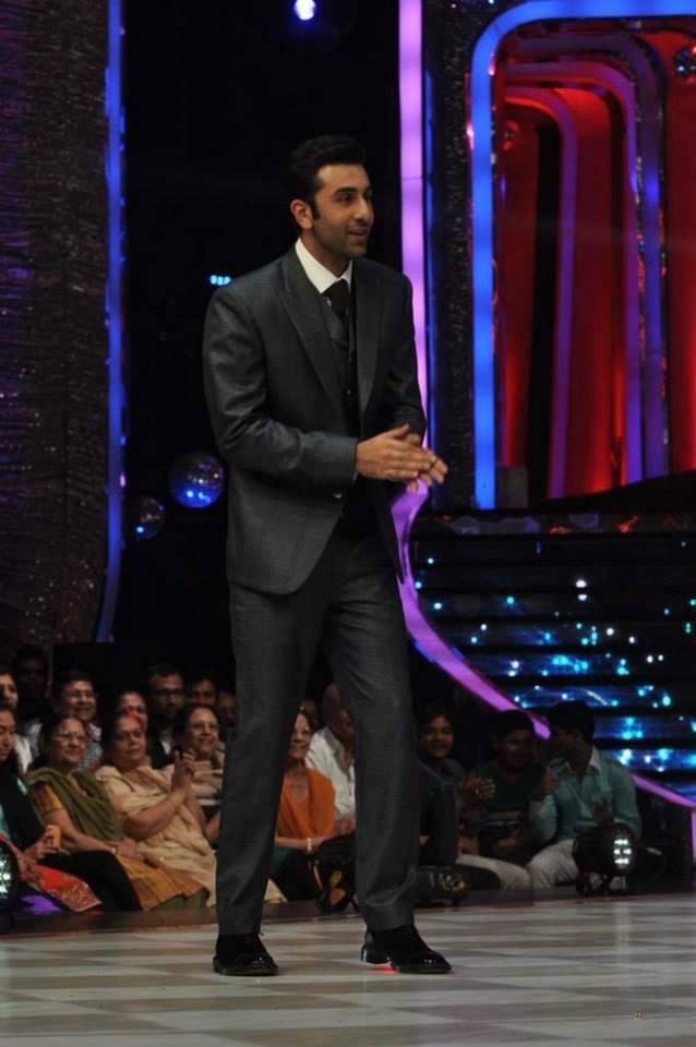 Ranbir Kapoor Cool During The Promotion Of Besharam On The Sets Of Jhalak Dikhla Jaa 6