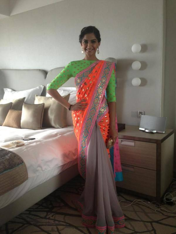 Sonam Kapoor Sexy And Sizzling Look At All New Filmfare Magazine Launch Press Conference