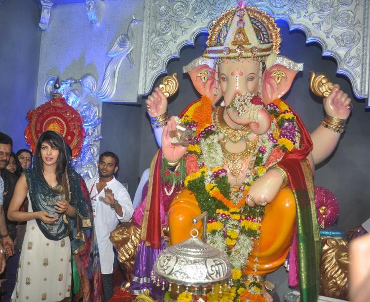 Priyanka Chopra Posed At Ganapati Andheri Cha Raja 2013