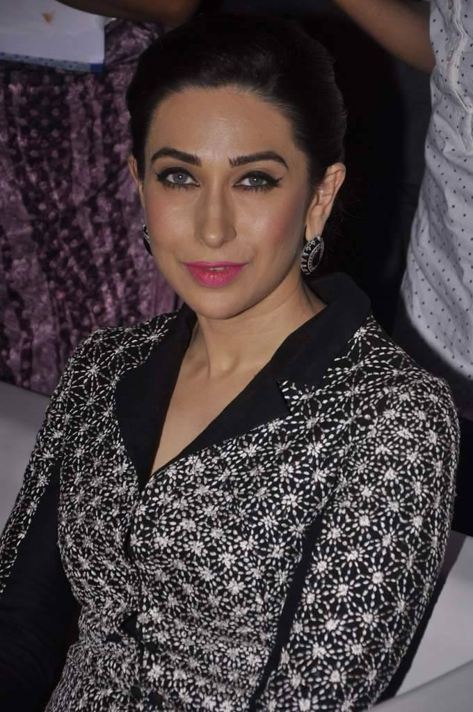 Evergreen Beauty Karisma At Globoil India Awards 2013