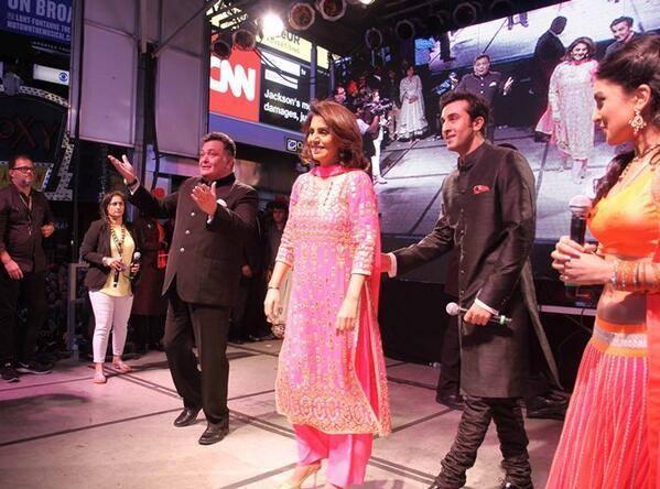Rishi,Ranbir,Neetu And Pallavi Promotes Besharam Movie At Times Square In New York