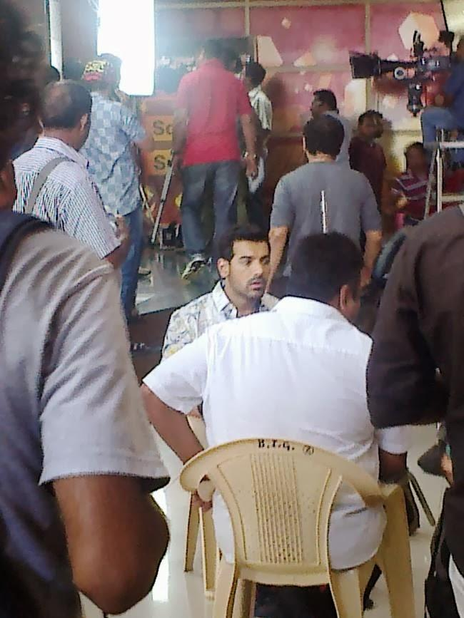 John Abraham On The Sets Of Welcome Back Movie