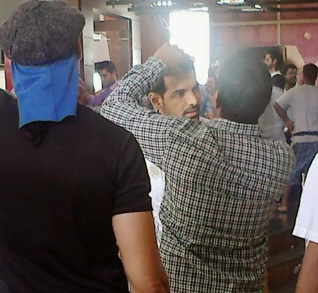 John Abraham Take Make Up On The Sets Of Welcome Back Movie