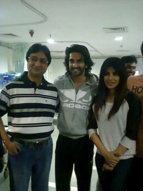 Ranveer And Priyanka Cool Posed At The Mission Hospital In Durgapur