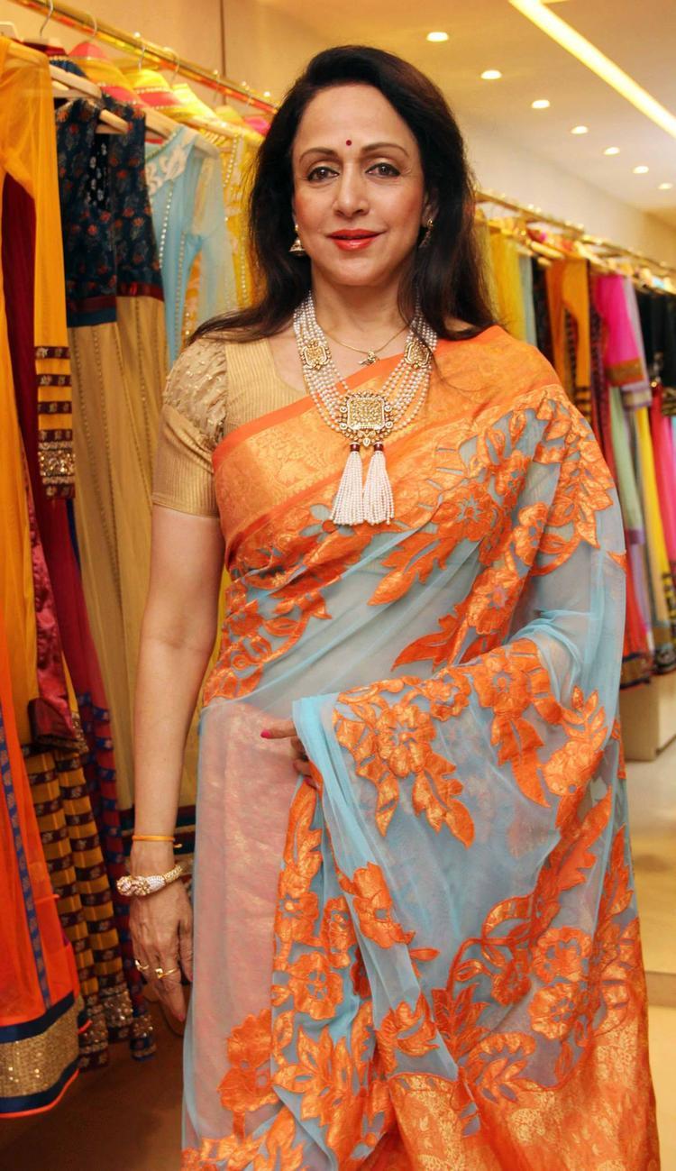 Hema Malini Trendy Traditional Look At Neeta Lulla's Flagship Store