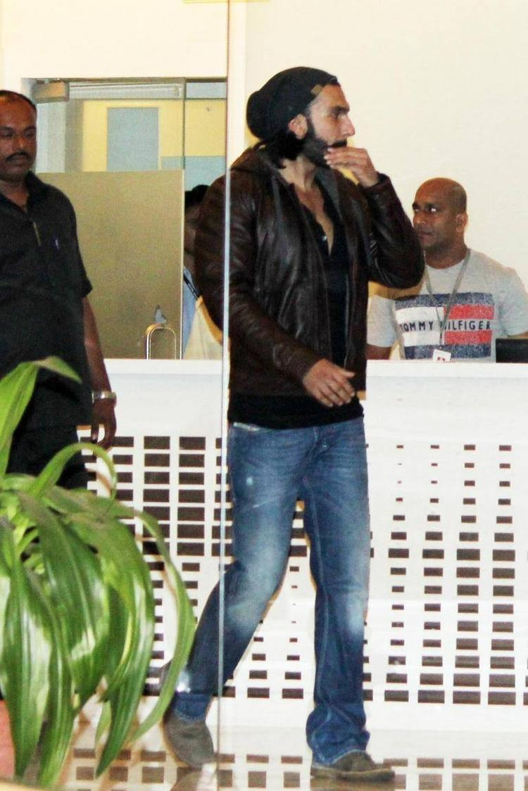 Ranveer Singh Discharged From Hospital In Khar, Mumbai On 3rd Oct 2013