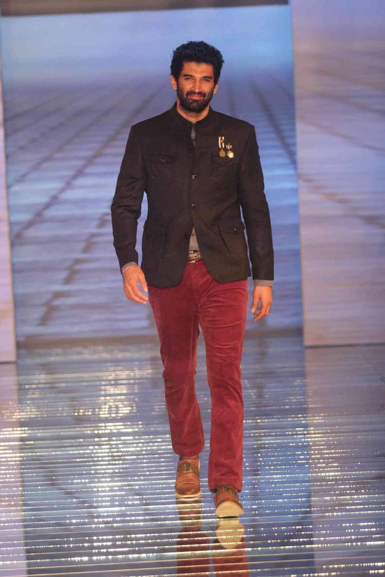 Aditya Roy Kapur Walks On Ramp During The Launch Of Fall-Winter 2013 Collection At Blackberry Sharp Night