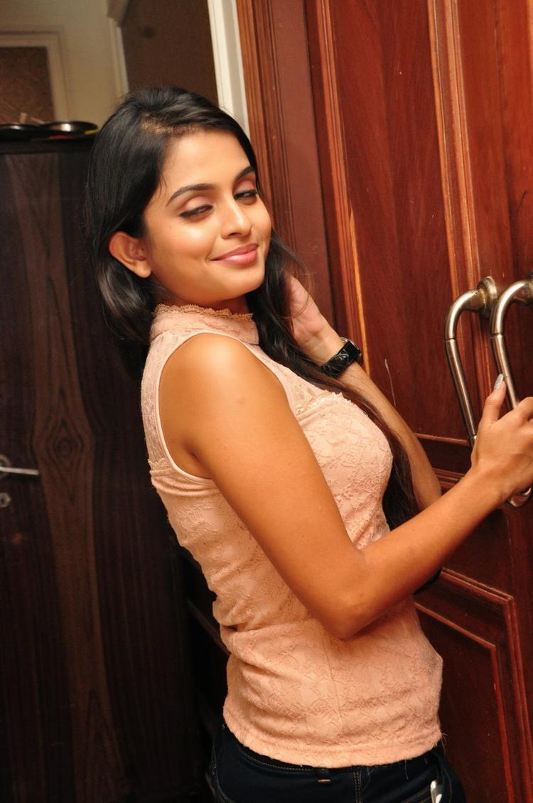 Sheena Shahabadi Clicked At Nuvve Naa Bangaram Movie Logo Launch Function