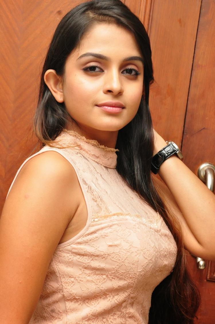 Sheena Shahabadi Hot Eyes Look During The Logo Launch Of Nuvve Naa Bangaram Movie