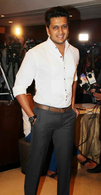 Riteish Deshmukh Smiling Pic During The Grand Masti 100 Crores Success Bash
