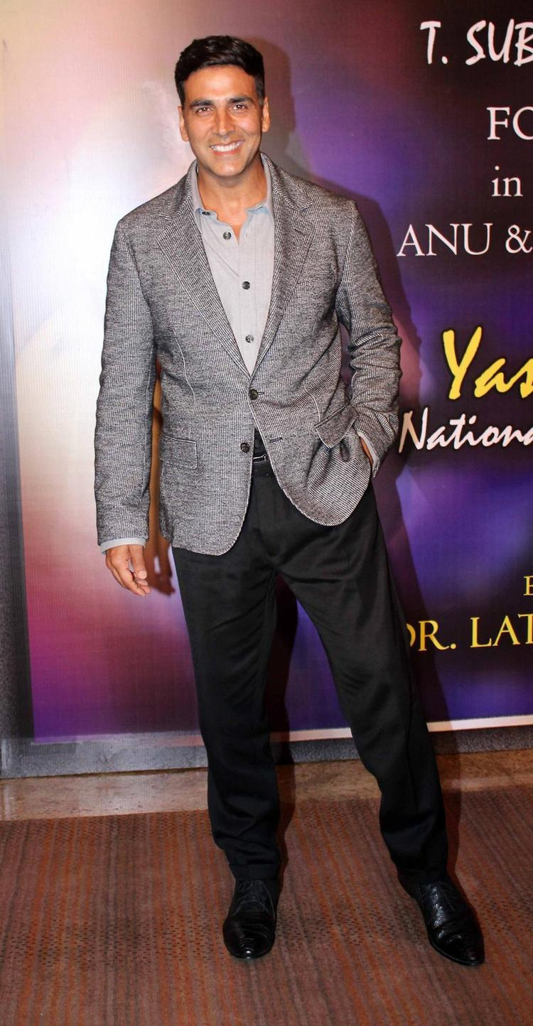 Akshay Kumar Snapped At The Yash Chopra Memorial Awards Ceremony