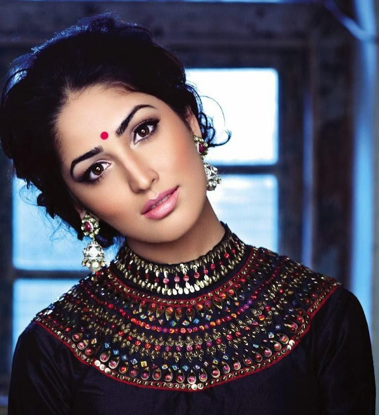 Yami Gautam Traditional Trendy Look Shoot For Hello India November 2013 Edition