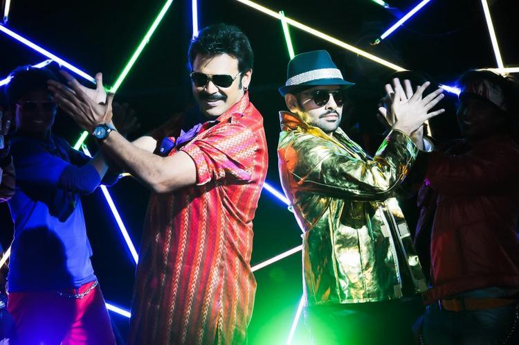 Venkatesh Latest Dance Pic In New Telugu Movie Masala