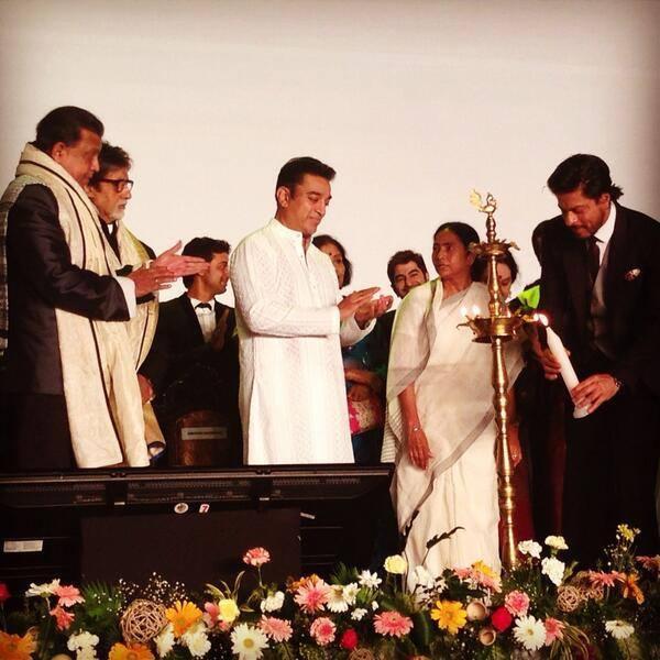 Shahrukh Lights The Lamp At The Inauguration Of Kolkata International Film Festival