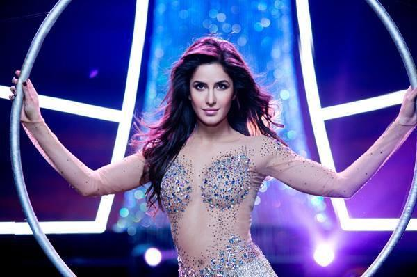 Katrina Kaif Looking Latest hot And Sexy In Dhoom Machale Song