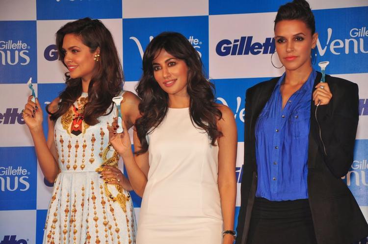 Chitrangada,Esha And Neha Launches Gillette Venus Razor In Mumbai