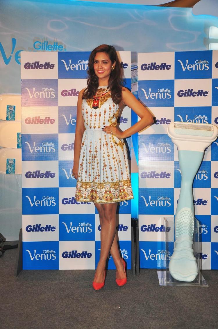 Esha Gupta Strikes A Pose At Launch of Gillette Venus Razor, A Shaving System Especially For Women