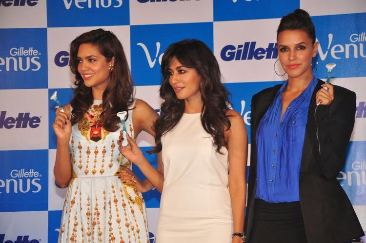 Esha,Neha And Chitrangada Launches Gillette Venus Razor, A Shaving System Especially For Women