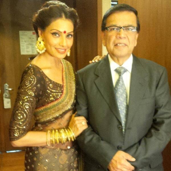 Bipasha Pose For Photo Shoot At The Kolkata International Film Festival
