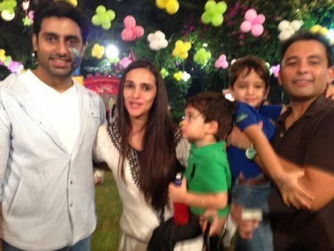 Abhishek Bachchan And Tara Sharma With Her Kids Posed At Aaradhya Bachchan's Birthday Bash
