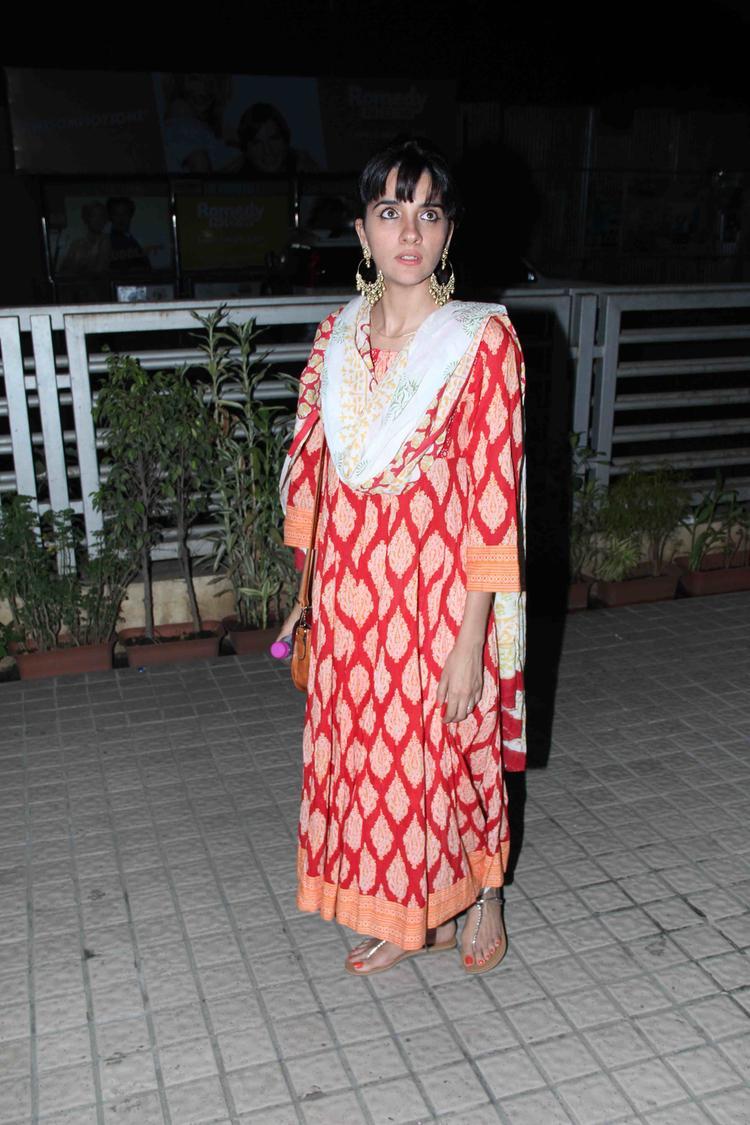 Shruti Seth Arrives At Special Screening Of Gori Tere Pyaar Mein