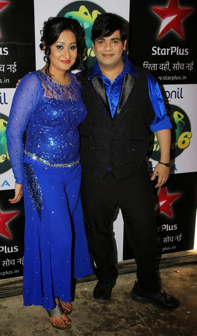 Kiku And Priyanka Nice Pose For Photo Shoot On The Sets Of Nach Baliye 6 Special Episode
