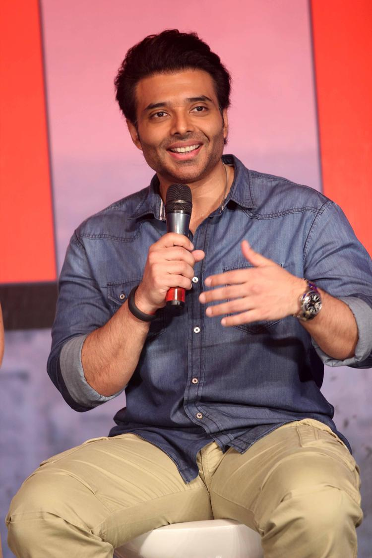 Smiling Uday Chopra Addresses The Public Dhoom 3 Press Conference