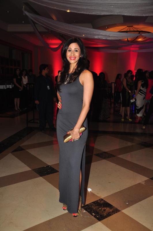 Kishwar Merchant Stunning Look At Rohit Verma Marigold Watches Fashion Show 2013