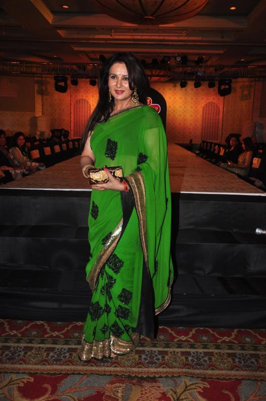 Poonam Dhillon In Stunning Green Saree At Rohit Verma Marigold Watches Fashion Show 2013