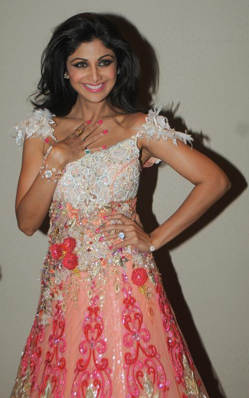 Shilpa Shetty Showstopper Of Rohit Verma At Marigold Watches Fashion Show 2013