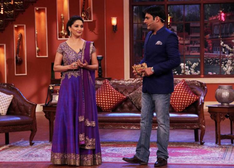 Madhuri Dixit Dedh Ishqiya Promotions At Comedy Nights With Kapil Sets