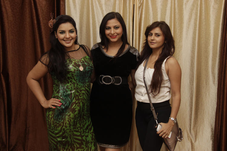 Gurpreet Kaur Chadha And Dolly Sidhu Cool Look During The Birthday Bash Of Gurpreet Kaur Chadha