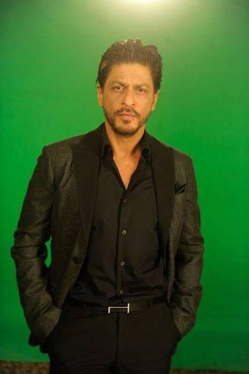 Shahrukh Khan Strikes A Pose At Zee Cinema Awards 2014 Press Conference Promotional Event