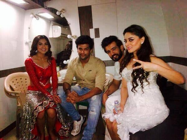 Gauhar,Kushal,Mahhi Vij And Jay Snapped To Perform At Mirchi Top 20 Event 2014