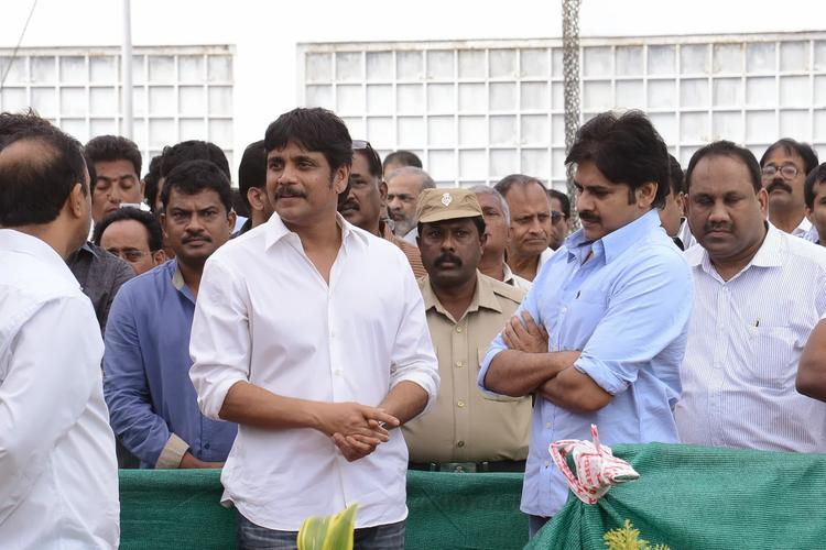 Nagarjuna And Pawan At Akkineni Nagesh Rao Death Pic