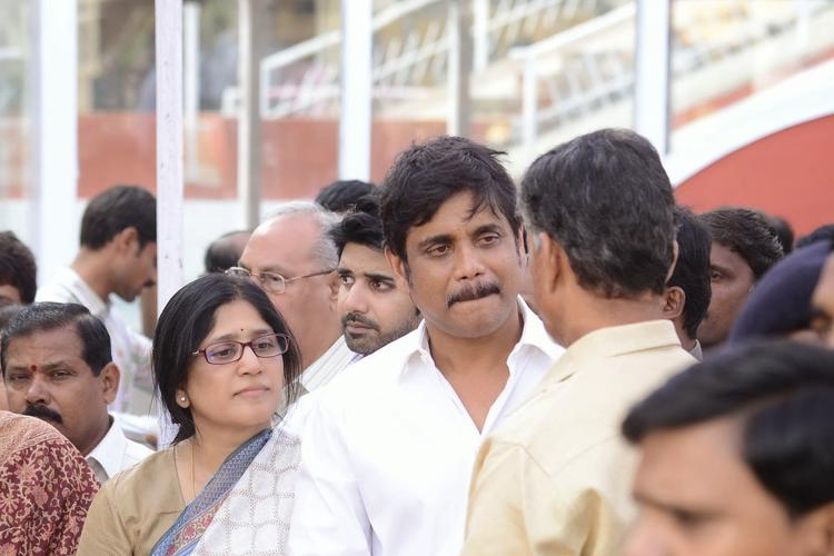 Nagarjuna Akkineni Sad Look At His Father Akkineni Nageswara Rao Death