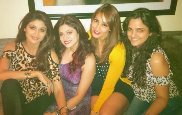 Shilpa,Shamita And Bipasha Cool Look At 35th Shamita Shetty's Birthday Party