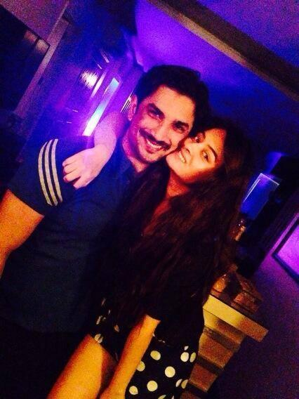 Ankita Kiss Her Boyfriend Sushant During His Party