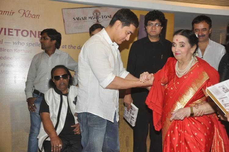 Aamir Khan And Sushila Rani Patel At The Launch Of The Book 'Sagar Movietone