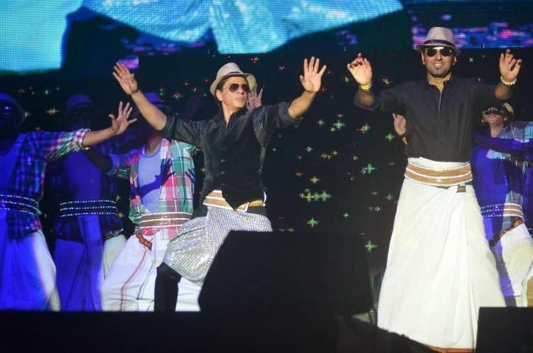 SRK Performed Lungi Dance At Temptation Reloaded 2014 In Malaysia