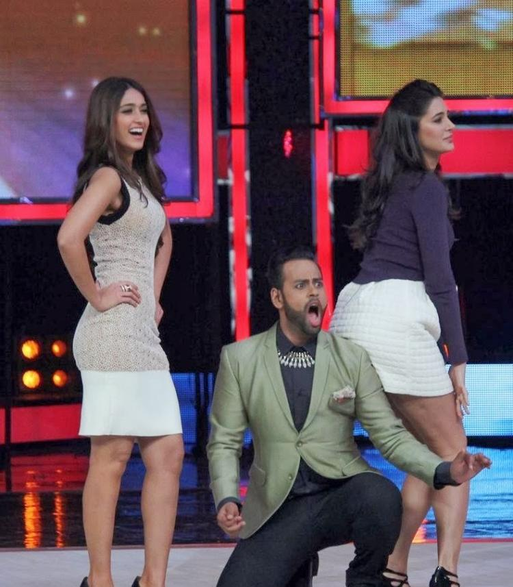 Ileana,VJ Andy And Nargis Rocked On The Stage During The Promotion Of Main Tera Hero On The Sets Of India's Got Talent
